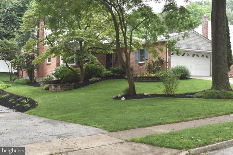 608 OLD SCHOOLHOUSE DR, SPRINGFIELD, PA 19064