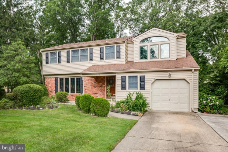4 EVERGREEN DR, BERLIN, NJ 08009