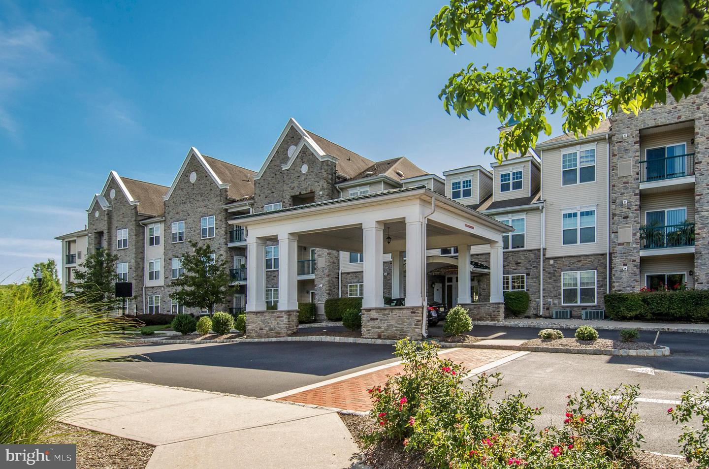 100 MIDDLESEX BLVD #328, PLAINSBORO, NJ 08536