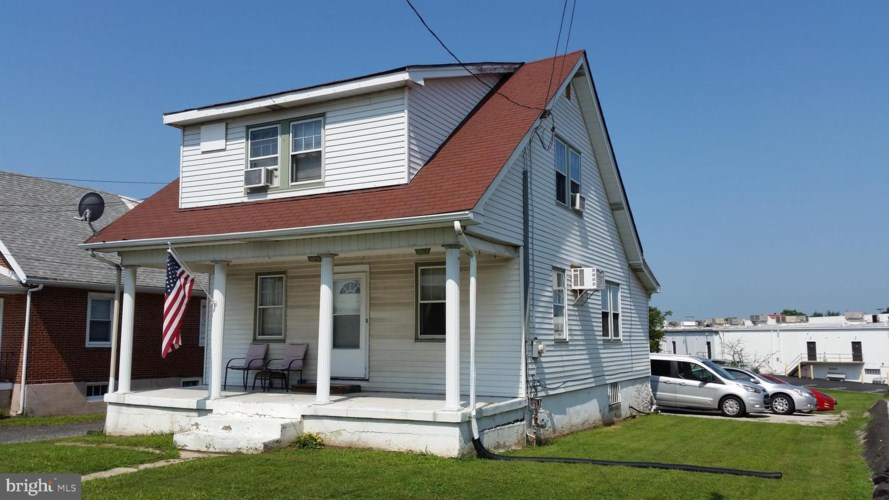 2831 SWEDE RD, NORRISTOWN, PA 19401