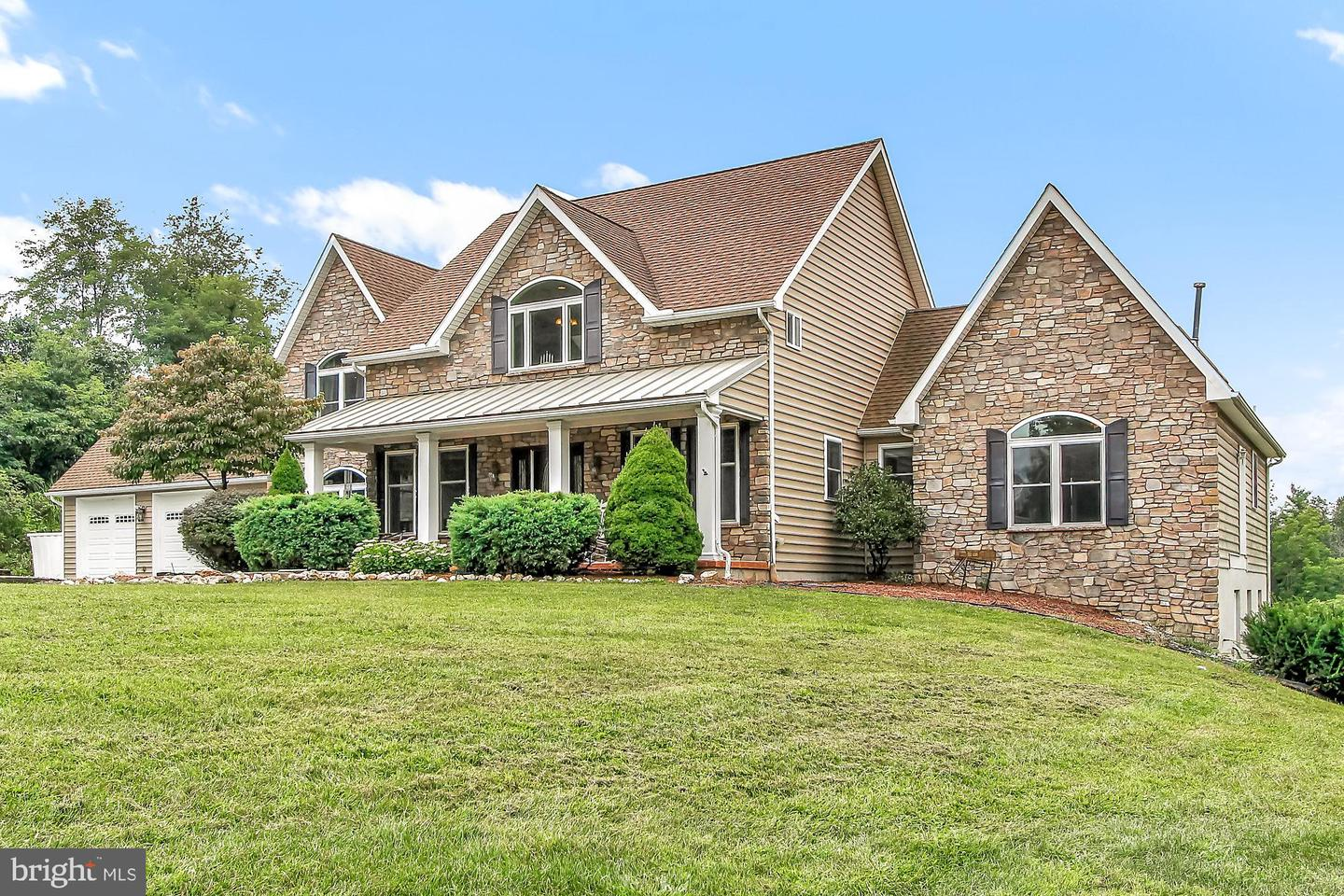 1950 YINGLING DR, SPRING GROVE, PA 17362