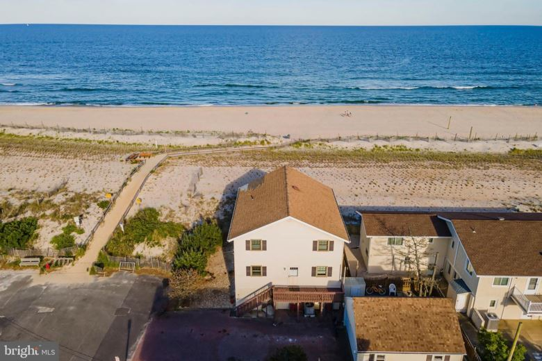 14 4TH ST, BEACH HAVEN, NJ 08008