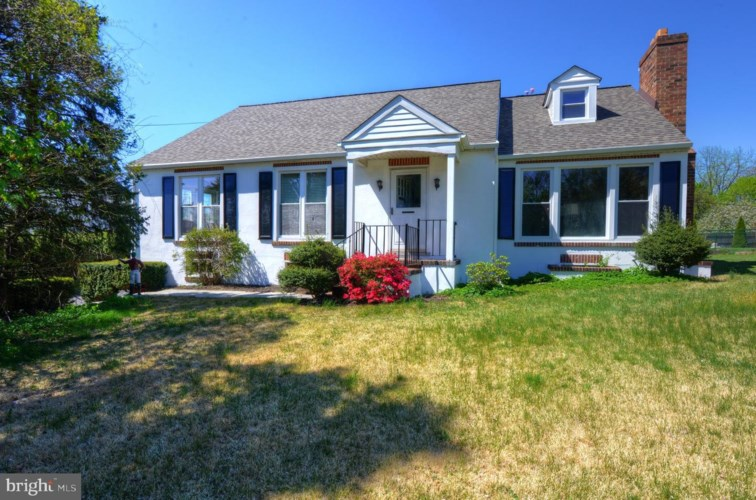 825 WEST CHESTER PIKE, WEST CHESTER, PA 19382