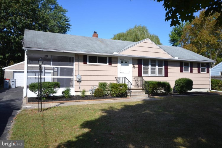 724 S VALLEY AVE, VINELAND, NJ 08360