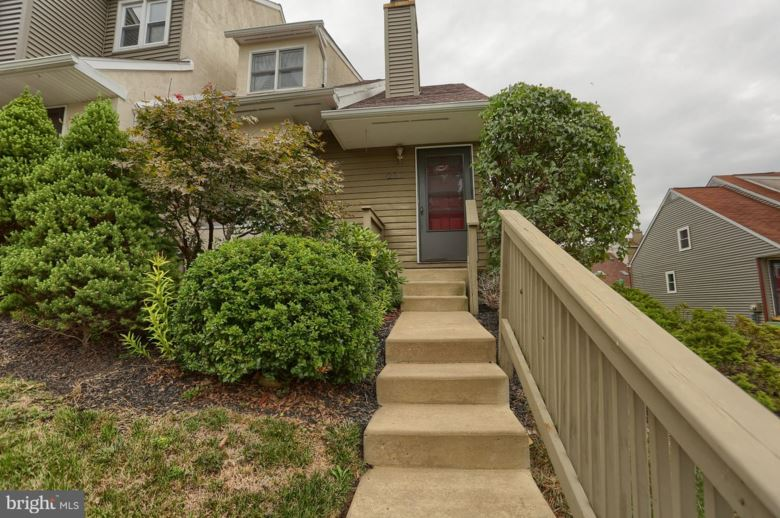 207 SAINT ALBANS CT, CHESTER SPRINGS, PA 19425