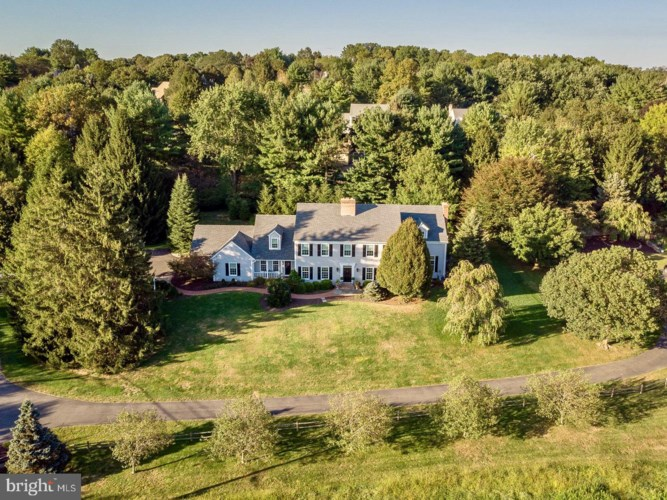 2965 MACUNGIE RD, EMMAUS, PA 18049
