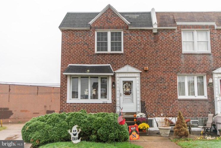 3072 FAIRFIELD ST, PHILADELPHIA, PA 19136