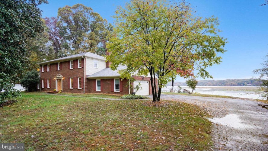 3142 LOOKOUT POINT CT, TRIANGLE, VA 22172