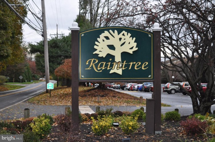 208 RAINTREE LN, MALVERN, PA 19355