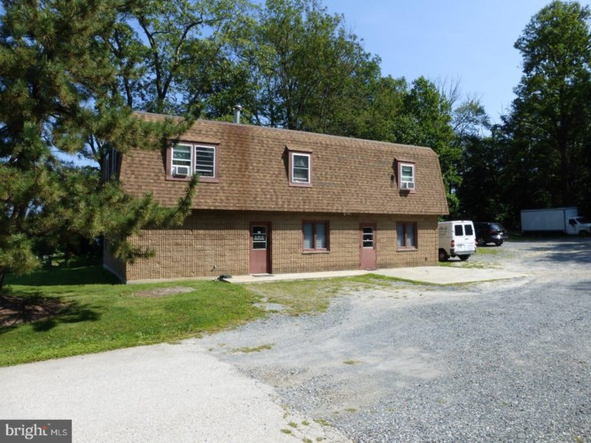 994 POTTSTOWN PIKE, CHESTER SPRINGS, PA 19425