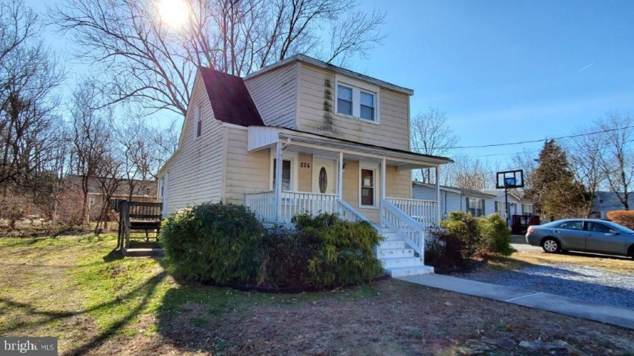 226 MCKINLEY AVE, GLASSBORO, NJ 08028
