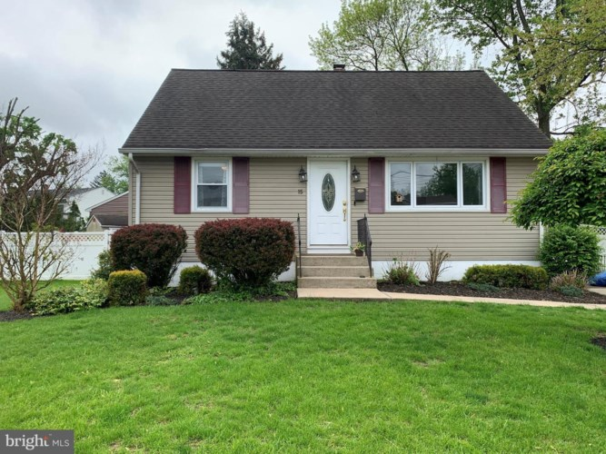 15 LIVINGSTON, HAMILTON, NJ 08619