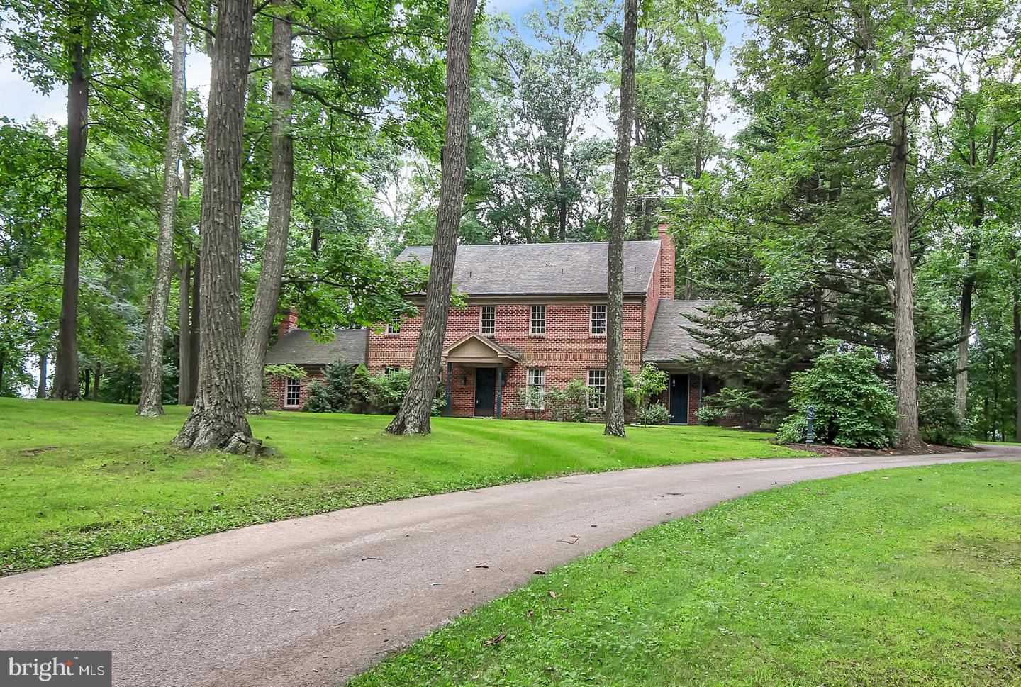 715 VALLEY DR, DALLASTOWN, PA 17313