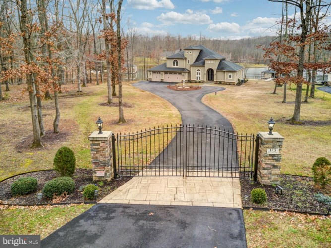 173 BLUE SKY WAY, BUMPASS, VA 23024