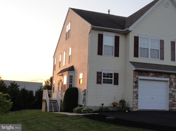 221 W 6TH ST, EAST GREENVILLE, PA 18041