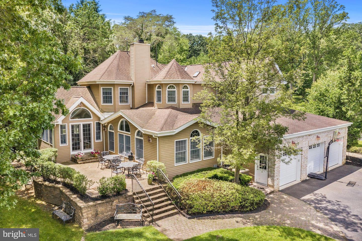 33 IMPERIAL DR, CHERRY HILL, NJ 08003
