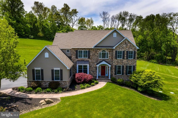 135 RISING HILL LN, CHESTER SPRINGS, PA 19425