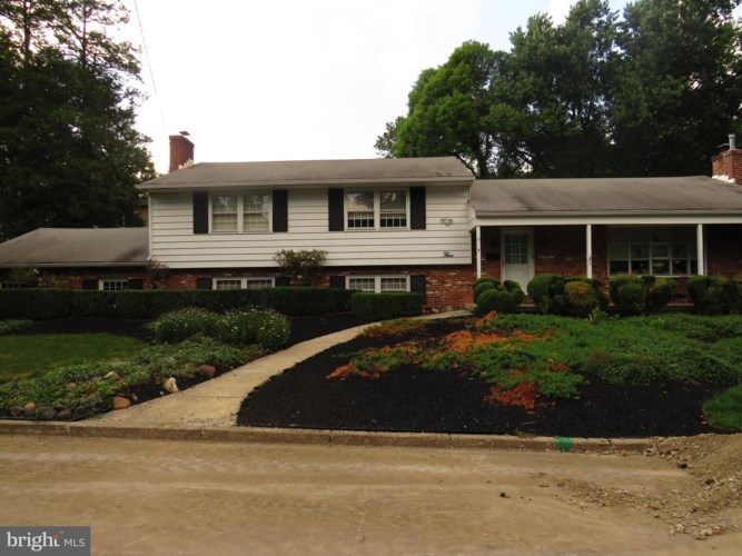 5 W COOPER AVE, MOORESTOWN, NJ 08057