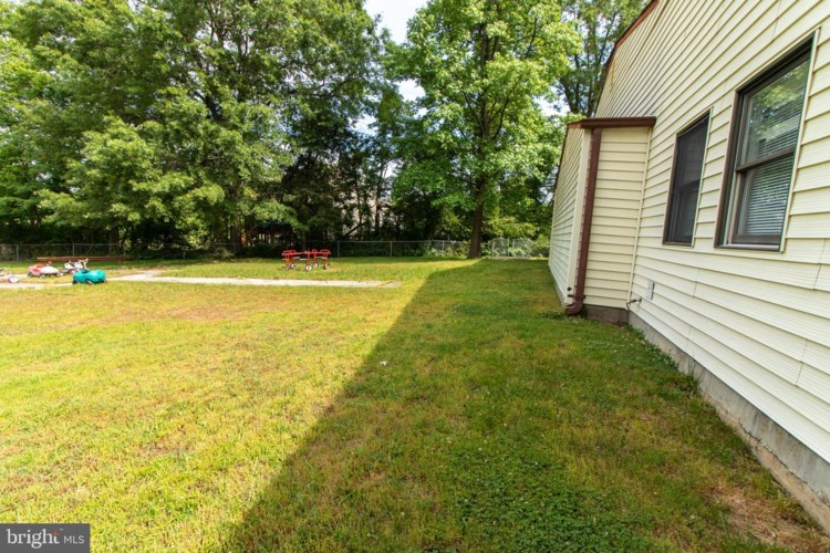 8303 OLD BRANCH AVE, CLINTON, MD 20735