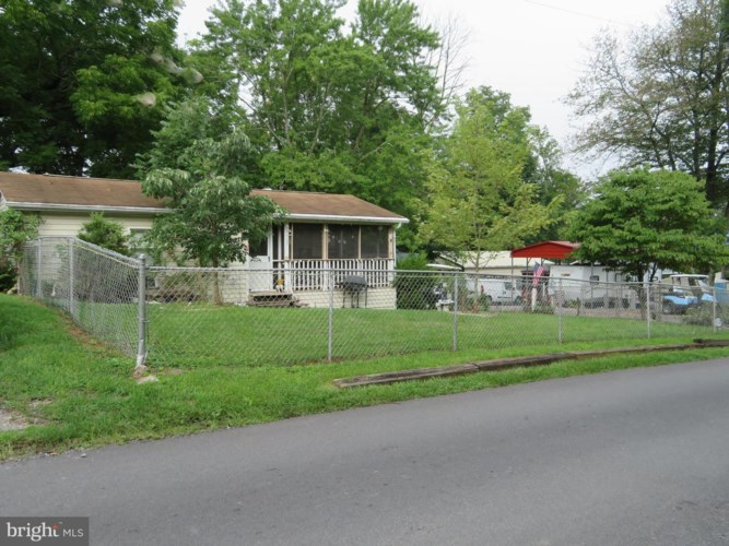40-25 HOT DOG RD, FALLING WATERS, WV 25419