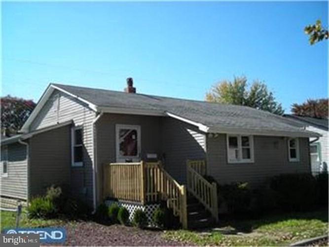 340 JACKSON AVE, CARNEYS POINT, NJ 08069