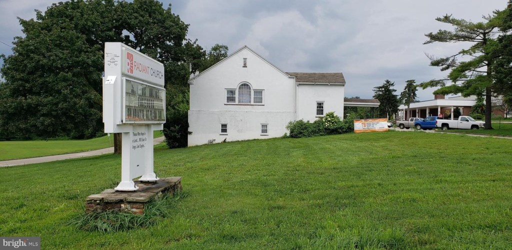 0 W KNOWLES AVE, GLENOLDEN, PA 19036