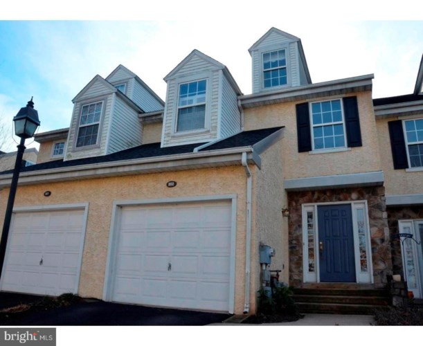 802 COVENTRY POINTE LN, POTTSTOWN, PA 19465