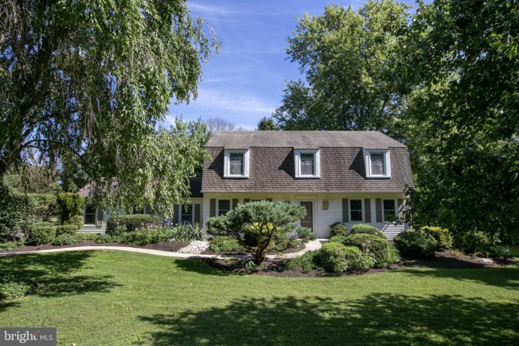 17 WOODS END DR, DOYLESTOWN, PA 18902