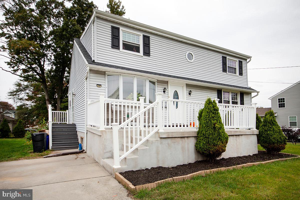 321 2ND AVE, BELLMAWR, NJ 08031