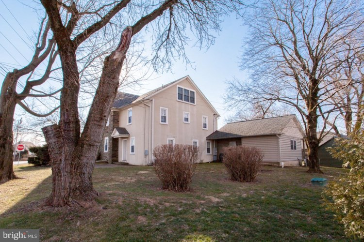 8340 EASTON RD, OTTSVILLE, PA 18942