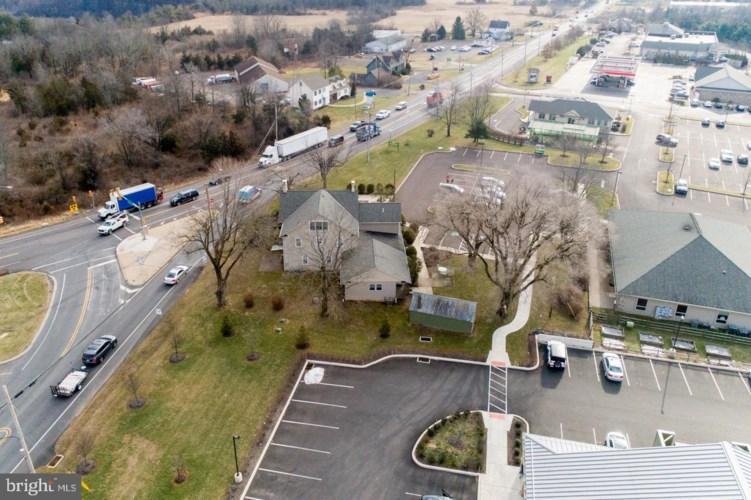 8340 EASTON RD, OTTSVILLE, PA 18942