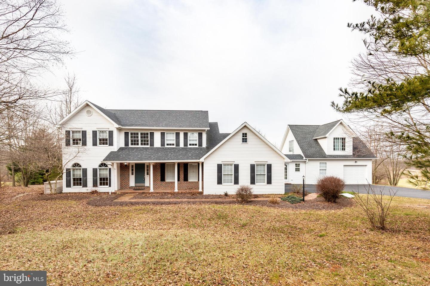 14 CHERRY VALLEY RD, HANOVER, PA 17331
