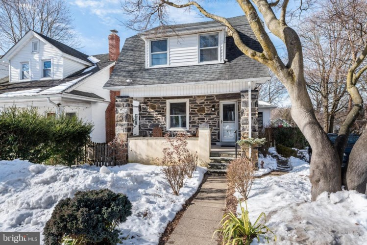 220 FORREST AVE, NARBERTH, PA 19072