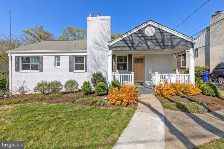 2711 NAVARRE DR, CHEVY CHASE, MD 20815