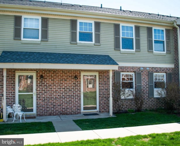 24 BARCLAY CT, BLUE BELL, PA 19422