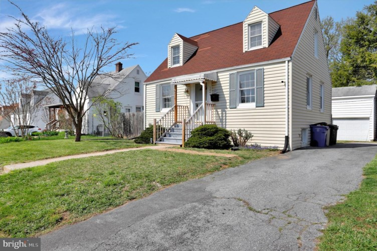 1044 BEECHWOOD DR, HAGERSTOWN, MD 21742