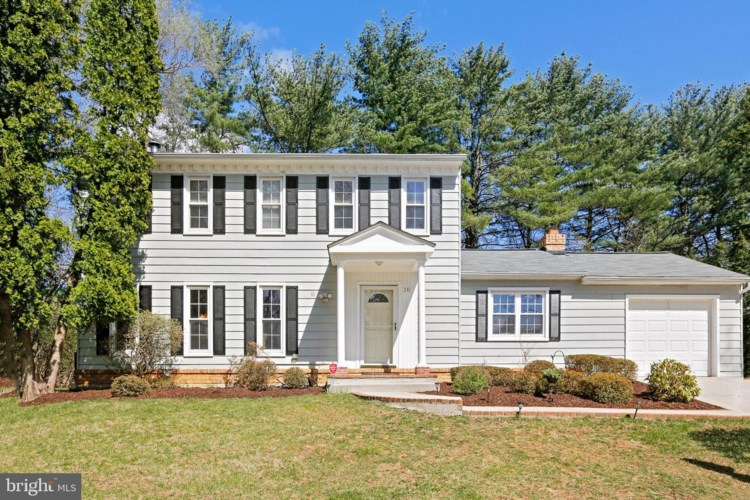 10 GROVEPOINT CT, POTOMAC, MD 20854