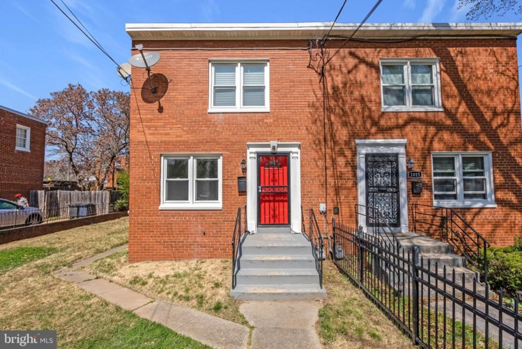 1017 BOOKER DR, CAPITOL HEIGHTS, MD 20743