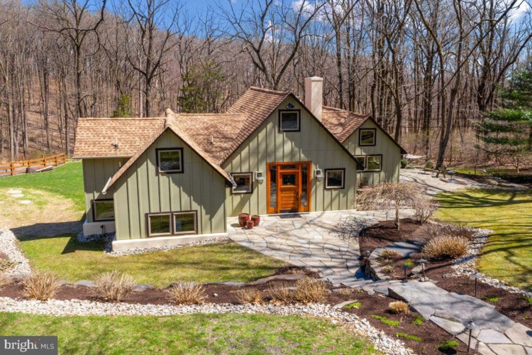 5670 INDIAN WAY, RIEGELSVILLE, PA 18077
