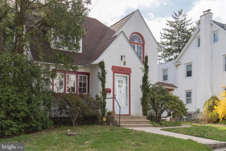 228 CONGRESS AVE, LANSDOWNE, PA 19050