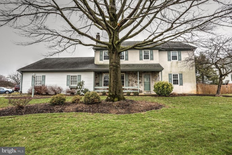 1032 CLEARVIEW AVE, EPHRATA, PA 17522