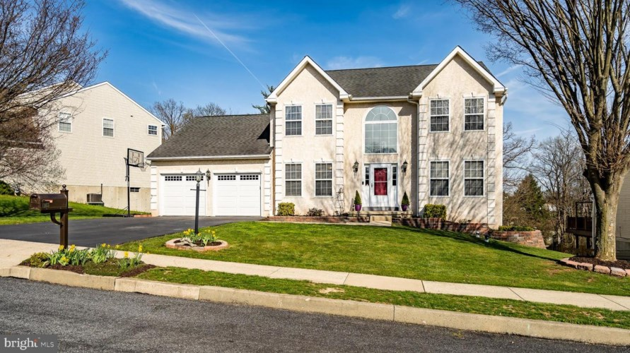 1103 SUN VALLEY DR, ROYERSFORD, PA 19468