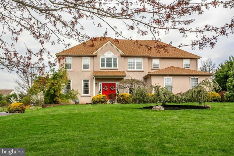 7 WYNNEWOOD DR, COLLEGEVILLE, PA 19426
