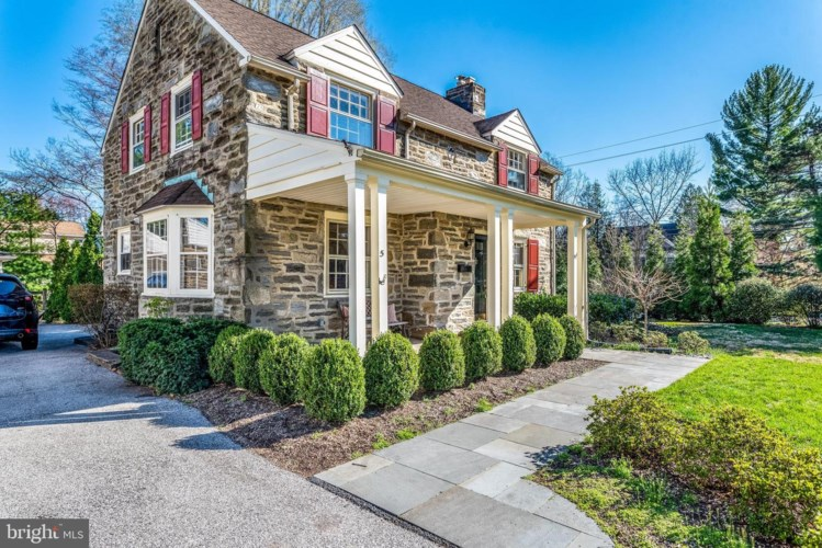 5 GOLFVIEW RD, ARDMORE, PA 19003
