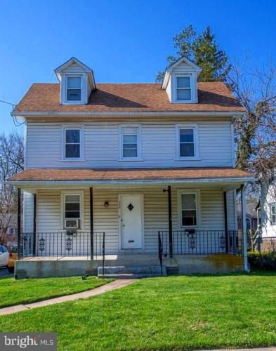 724 PRESTON AVE, BRYN MAWR, PA 19010