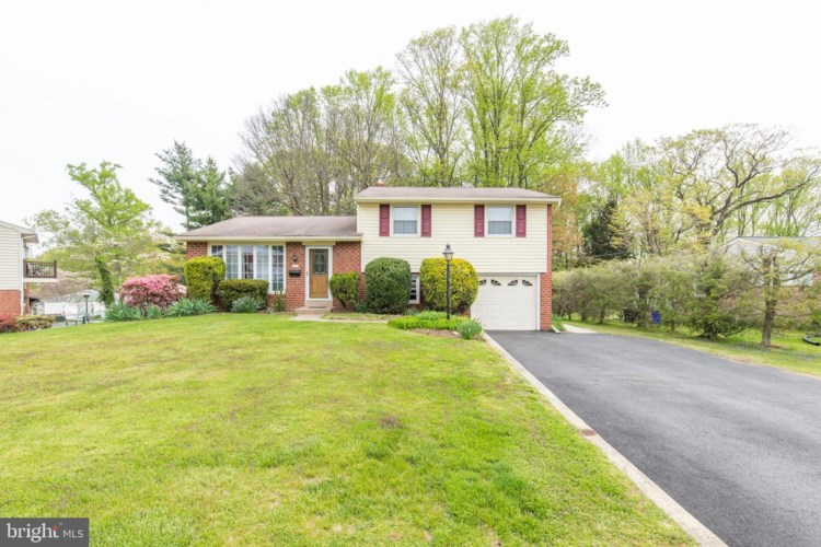 3 WILLOWBROOK RD, BROOMALL, PA 19008