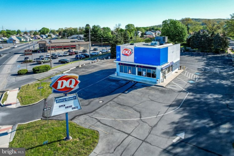 4901 5TH STREET HWY, TEMPLE, PA 19560