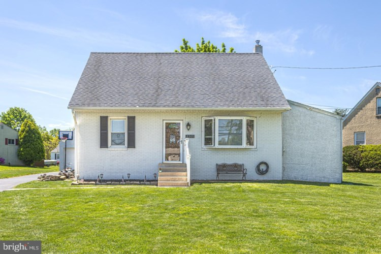 2305 MEETINGHOUSE RD, UPPER CHICHESTER, PA 19061