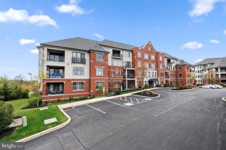 6304 PARKVIEW DR, HAVERFORD, PA 19041