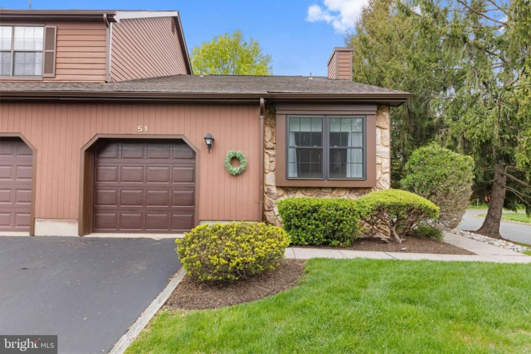 51 CLIVEDEN CT, LAWRENCE TOWNSHIP, NJ 08648